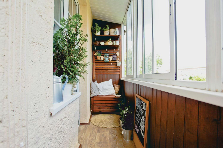Отделка балконов внутри: фото, иллюстрирующие идеи украшения помещения