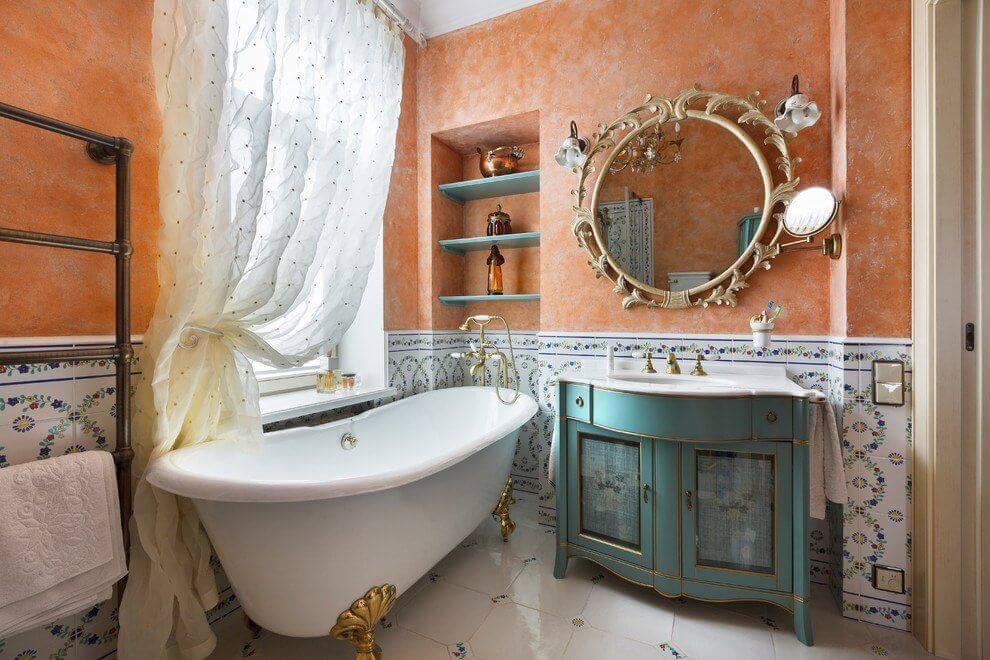 встроенные полки над ванной