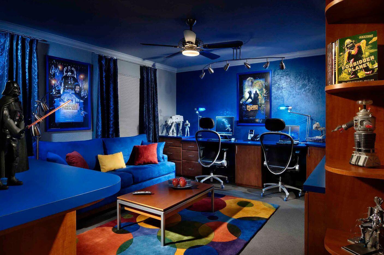 комната геймера в фантастическом стиле