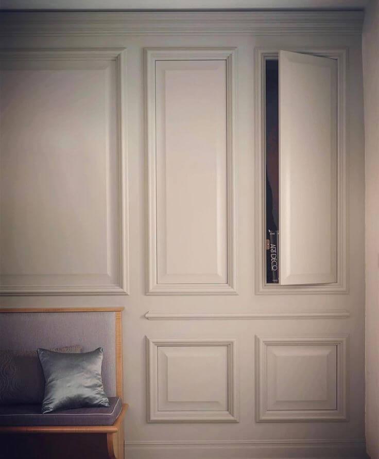 Дверки шкафа спрятанные за молдингами