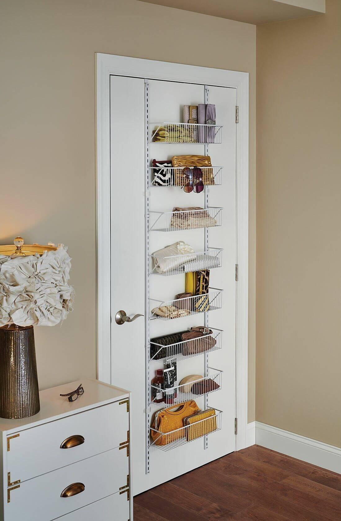 Хранение вещей на двери