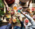 Летняя вечеринка на даче: 8 классных идей оформления